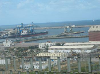 """""""استباحة ميناء الجرف الأصفر والتسلل إلى السفن.. الخطر الذي يتهدد المغرب"""""""