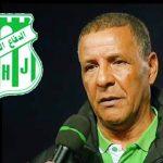 أزمة كورونا تجبر الدفاع الحسني الجديدي للتخلي عن مدربه الجزائري عبد القادر عمراني .